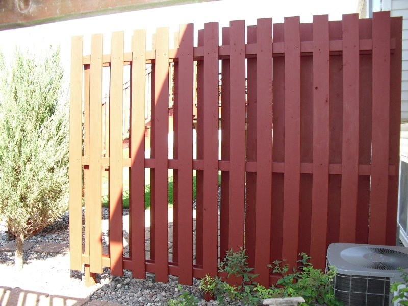 028_Fence_Staining