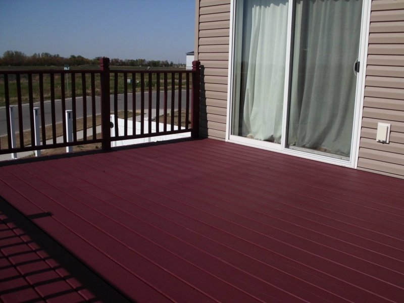 020_Deck_Staining