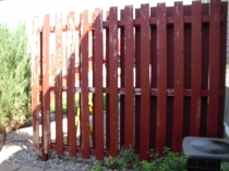 027_Fence_Staining
